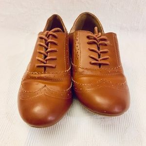 **SOLD** Aldo Women's Size 10 Leather Oxford Shoes